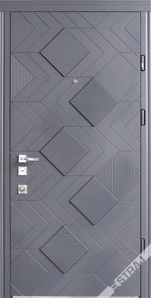 Квартирная дверь Straj